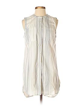 Merona Short Sleeve Button-Down Shirt Size M