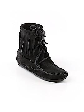 Minnetonka Boots Size 3