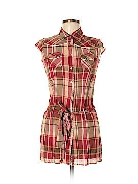 Younique Short Sleeve Button-Down Shirt Size M