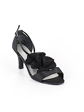 Avenue Heels Size 8 1/2 (Plus)