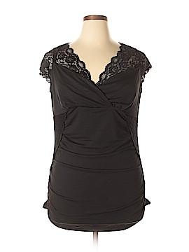 Torrid Short Sleeve Top Size 3X Plus (3) (Plus)