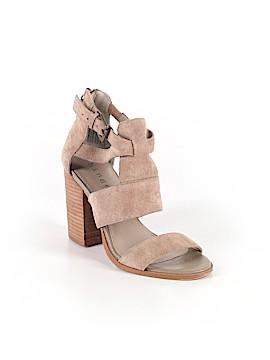 Hinge Heels Size 5