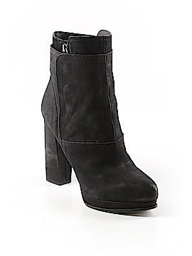 Vera Wang Boots Size 9