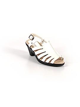 Easy Street Heels Size 6 1/2