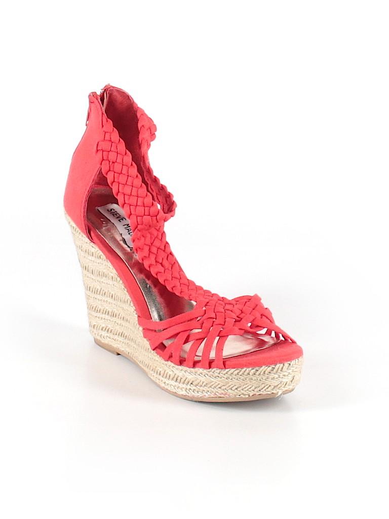 527bb2a5e9 Steve Madden Solid Red Heels Size 6 - 83% off   thredUP