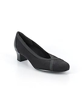 Munro American Heels Size 11