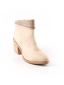 Kelsi Dagger Brooklyn Ankle Boots Size 6