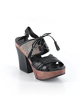 Bacio 61 Heels Size 7 1/2