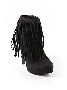 Shoedazzle Ankle Boots Size 8