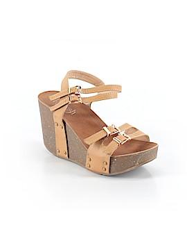 Refresh Sandals Size 6