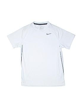 Nike Active T-Shirt Size M (Kids)