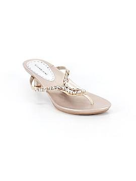 Gianni Bini Flip Flops Size 11
