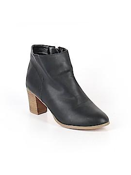 BOSTON DESIGN STUDIO Ankle Boots Size 7 1/2