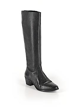 VC Signature Boots Size 6