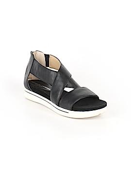 Adrienne Vittadini Sandals Size 7
