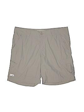 Cabela's Cargo Shorts Size 14