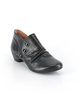 Taos Heels Size 7