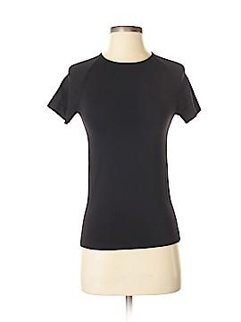 Uniqlo Active T-Shirt Size XS