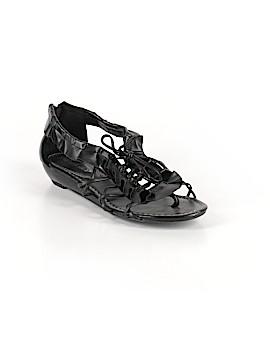Breckelle's Sandals Size 7