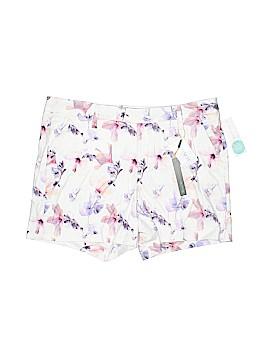 Level 99 Khaki Shorts Size 32 (EU)