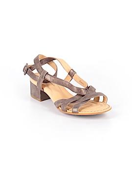 Born Crown Sandals Size 7