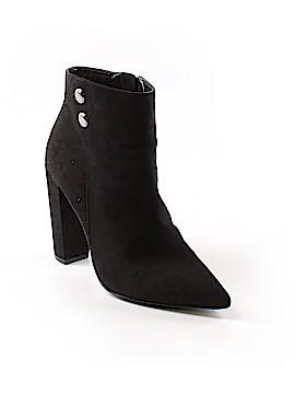 BCBG Paris Ankle Boots Size 7 1/2