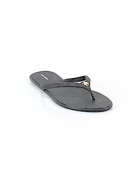 Henri Bendel Flip Flops Size 9