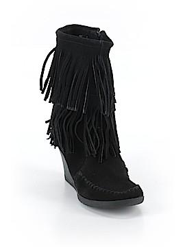 Minnetonka Boots Size 6