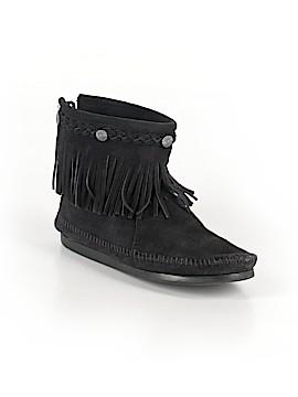 Minnetonka Ankle Boots Size 6 1/2