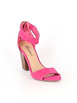 Breckelle's Heels Size 6