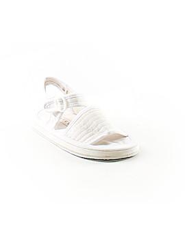 Beluga Sandals Size 4/6X Kids