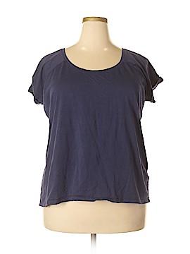Dantelle Short Sleeve Top Size 2X (Plus)