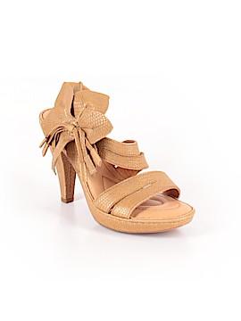 Born Crown Heels Size 6