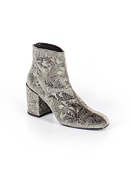 Stuart Weitzman Ankle Boots Size 7 1/2