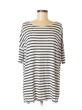Emma's Closet Short Sleeve T-Shirt Size M