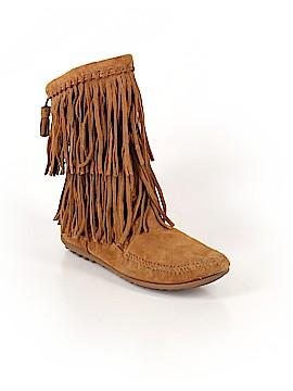 Minnetonka Boots Size 6 1/2