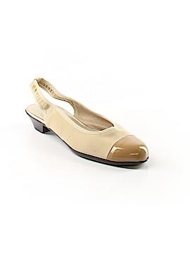 Munro American Heels Size 6 1/2