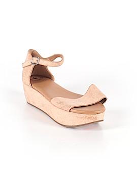 Gee WaWa Sandals Size 8 1/2