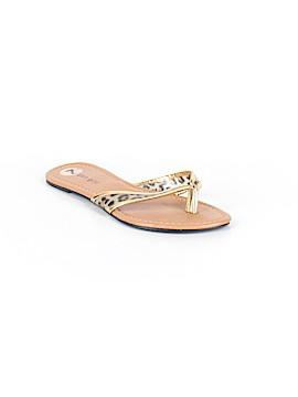 Madden Girl Flip Flops Size 7