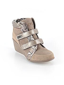 AK Anne Klein Ankle Boots Size 9