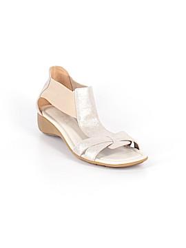 The Flexx Sandals Size 9 1/2
