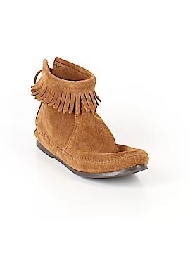 Minnetonka Ankle Boots Size 7 1/2