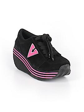 Volatile Sneakers Size 7 1/2