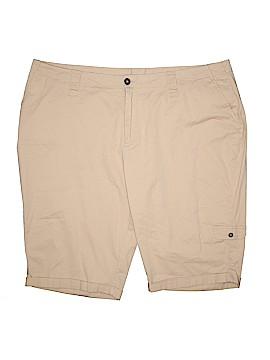 Avenue Cargo Shorts Size 24 (Plus)