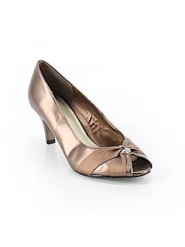 Easy Street Heels Size 8 1/2