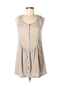 Generra Sleeveless Button-Down Shirt Size M