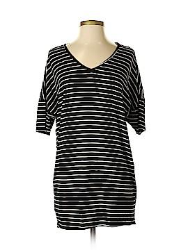 Lulu's Short Sleeve T-Shirt Size XS