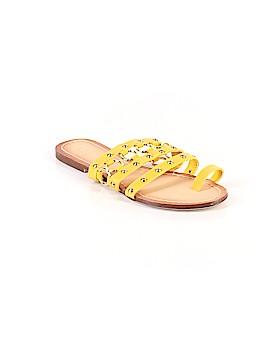 Scene Sandals Size 7 1/2