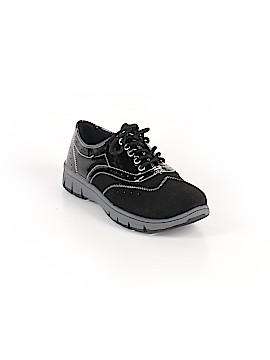 Easy Street Sneakers Size 7