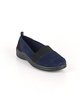 Easy Street Sneakers Size 7 1/2
